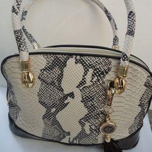 Handbags - CUTE SHOULDER BAG .